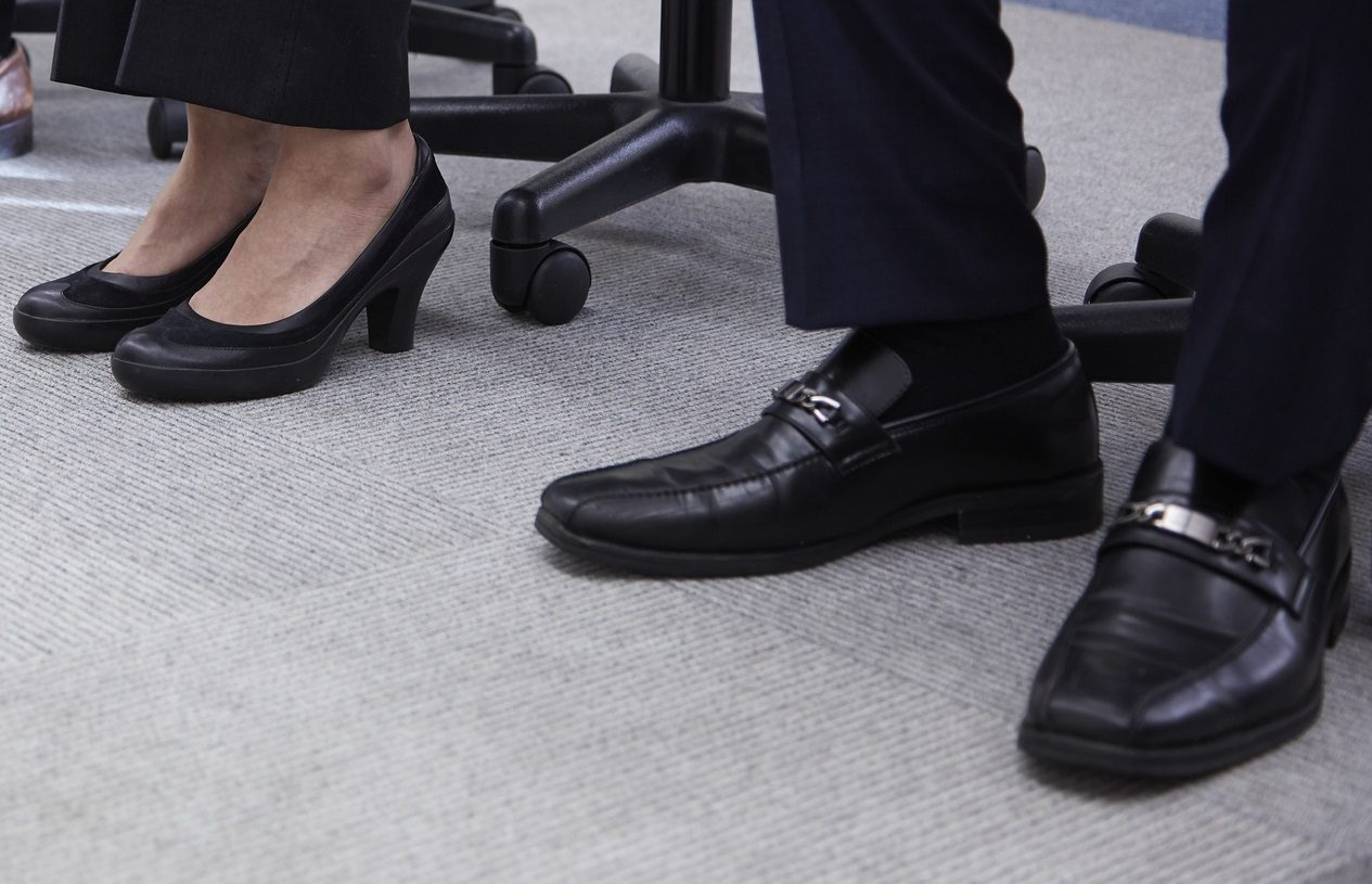 関節リウマチの足裏の痛みを軽減する靴