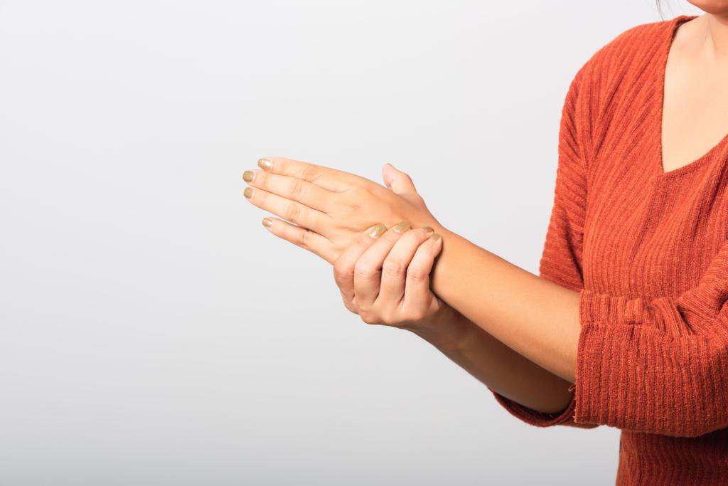 関節リウマチによる手のこわばり