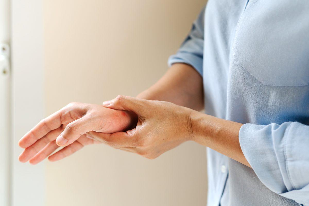 リウマチ手指の痛みとは?