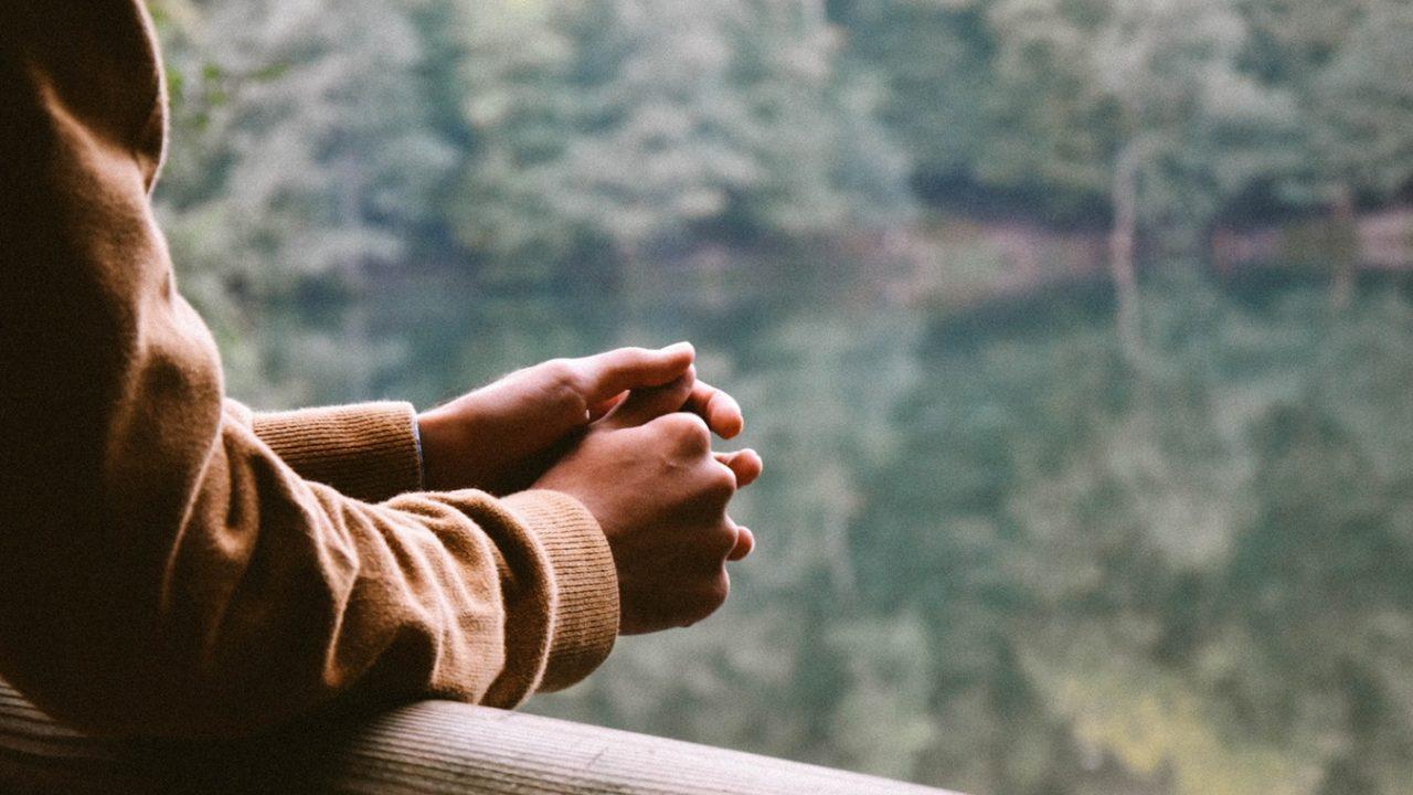 関節リウマチによる指の変形や痛みを防ぐ方法と腫れの解消方法